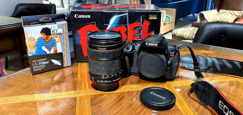 Canon EOS 650D /T4i with 18-135mm STM lens 0