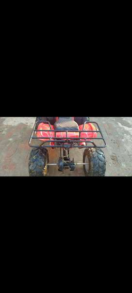 Quad bike for sale good conditio only serious buyr can contact