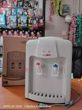 Dispenser Nico 8 W