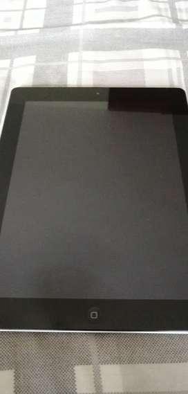 iPad 2  32 GB Silver. Excellent Condition