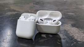 Airpods Pro & Airpods 2 with wireless charging case