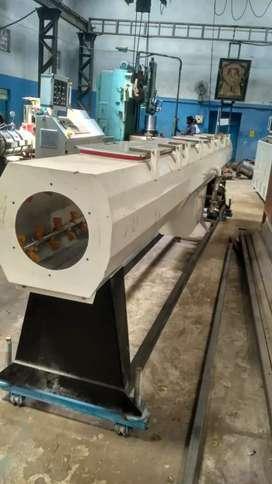 PVC pipe machine operator