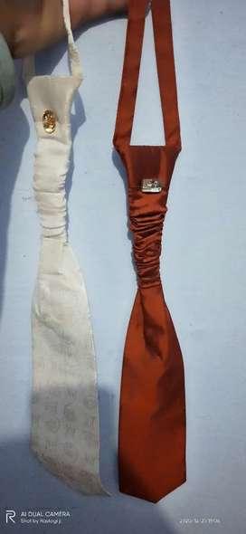 Court tie with varient, cool note tie