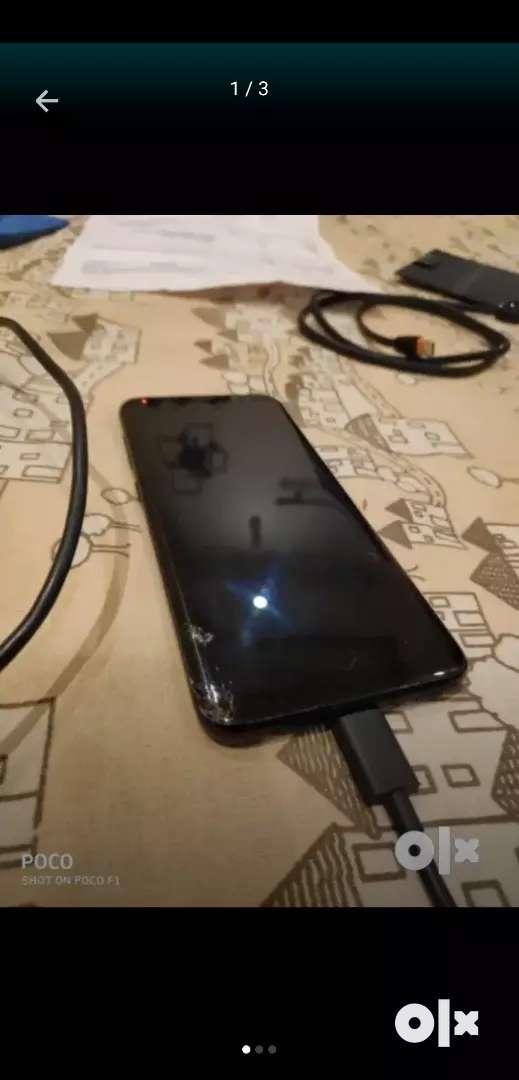 Samsung s8 screen broken at 12000₹ 0