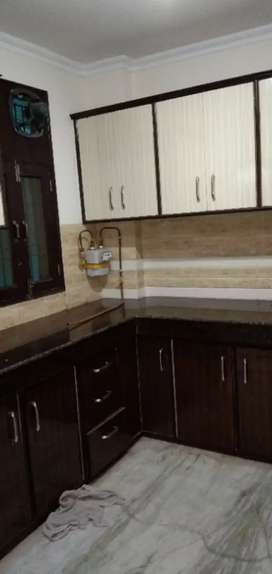 Available 3 BHK flat for rent