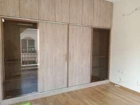 Room available in 2bhk Shalimar garden bay iim road