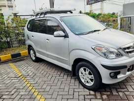 Dijual Mobil Daihatsu Xenia Xi Family VVT-i 2010