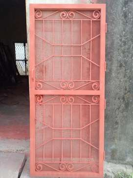 Welder gate, grill, window ke karigr ki zrurt hai