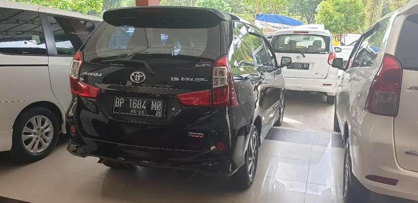 Toyota Avanza Veloz 1,5 tahun 2018 automatic pemakaianpribadi tangan 1 0