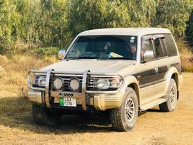 MITSUBISHI PAJERO WITH 1KZ PRADO ENGINE AND GEARBOX