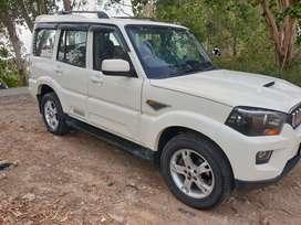 Mahindra Scorpio S8, 2015, Diesel