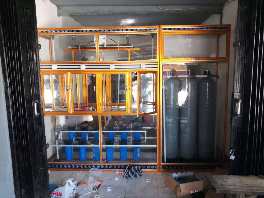 Pembutan depot air minum isi ulang galon