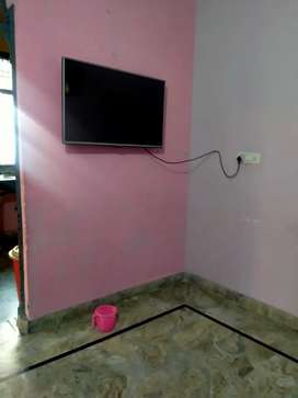 2 room set available for rent near badarpur metro on by pass road