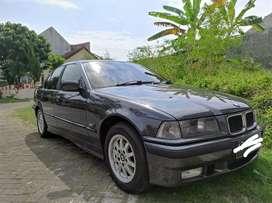 BMW 320i 1994 lengkap dan murah mobil sehat