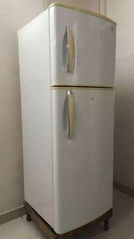 Lg double door fridge 280 litres.
