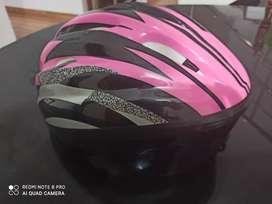 Skating and cycling helmet