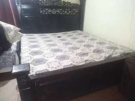 Bed side tabl dressing & cobard