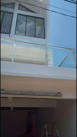 Balkon kaca veri 376