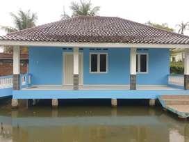 Jual Cepat 2 Unit Rumah diatas Kolam Ikan beserta Furniture Lengkap