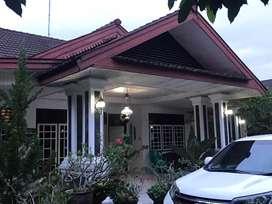 Jual Rumah Tinggal terawat dan ada kamar kost serta halaman luas