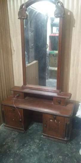 Dressing table good condition