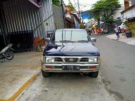 Nissan terrano grand road th 2001