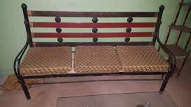 road iron sofa seting or center table h abhi new lea thay 2 month hua
