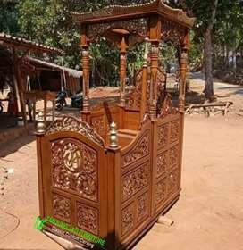 Mimbar masjid kubah (khutbah)