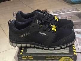 Sepatu safety / safety jogger