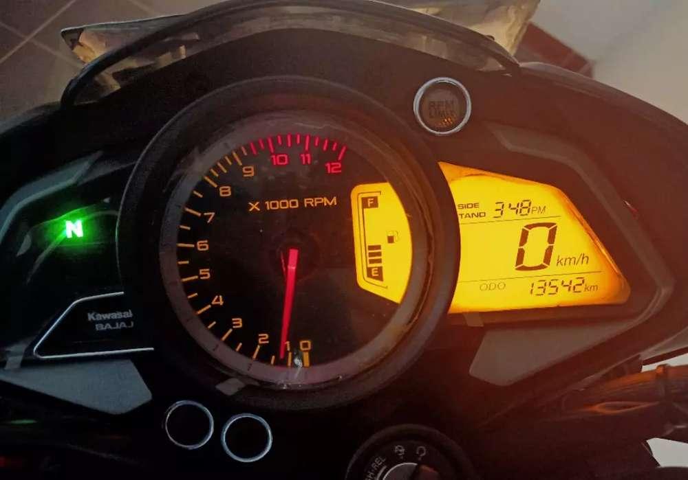 Kawasaki Pulsar NS200 simpanan KM rendah asli