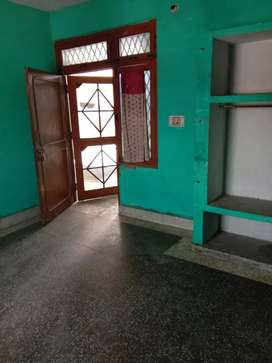 Single double room for rent