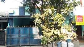 Dijual Rumah Strategis, 2 Rumah Taman Aster 1,2M