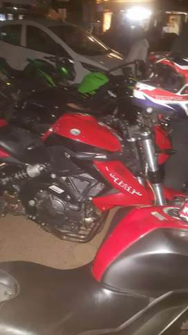 Benelli 600i super bike with full power and after market accessories