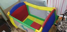 Baby play yard/play pen