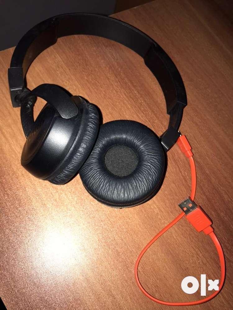 JBL 500 BT headphone