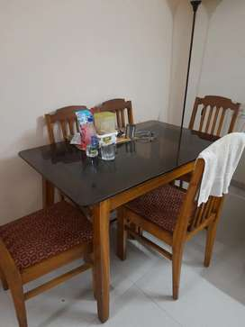 Excellent condition 6 seater dining table set with glass surface