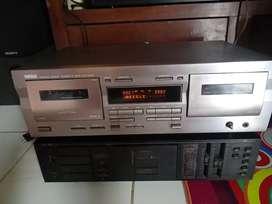 Tape deck YAMAHA KX-W321 .Normal segel