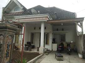 Rumah dijual di perumahan di lingkungan nyaman di Taman Anggrek