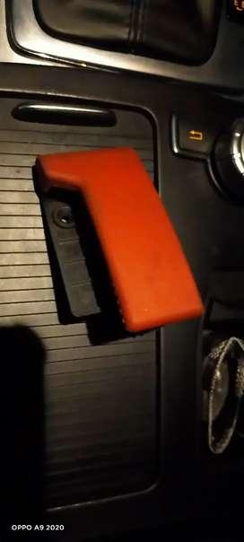 Tarikan kap mesin Mercedes Benz mercy w204