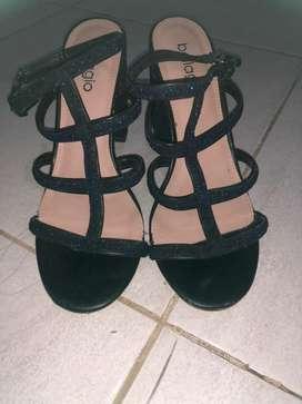 Heels bellagio size 37