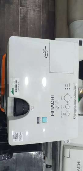 HD Projectors are available in good  Condition in Jeff Heights