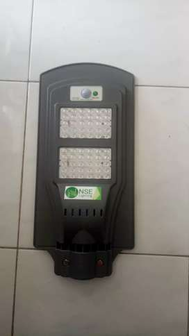 Lampu tenaga surya all in one