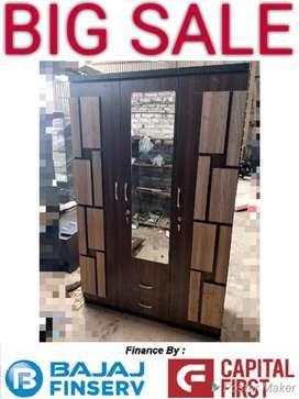 Checkered design 3 door wardrobe