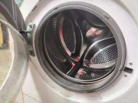 Fully automatic front door LG washing machine
