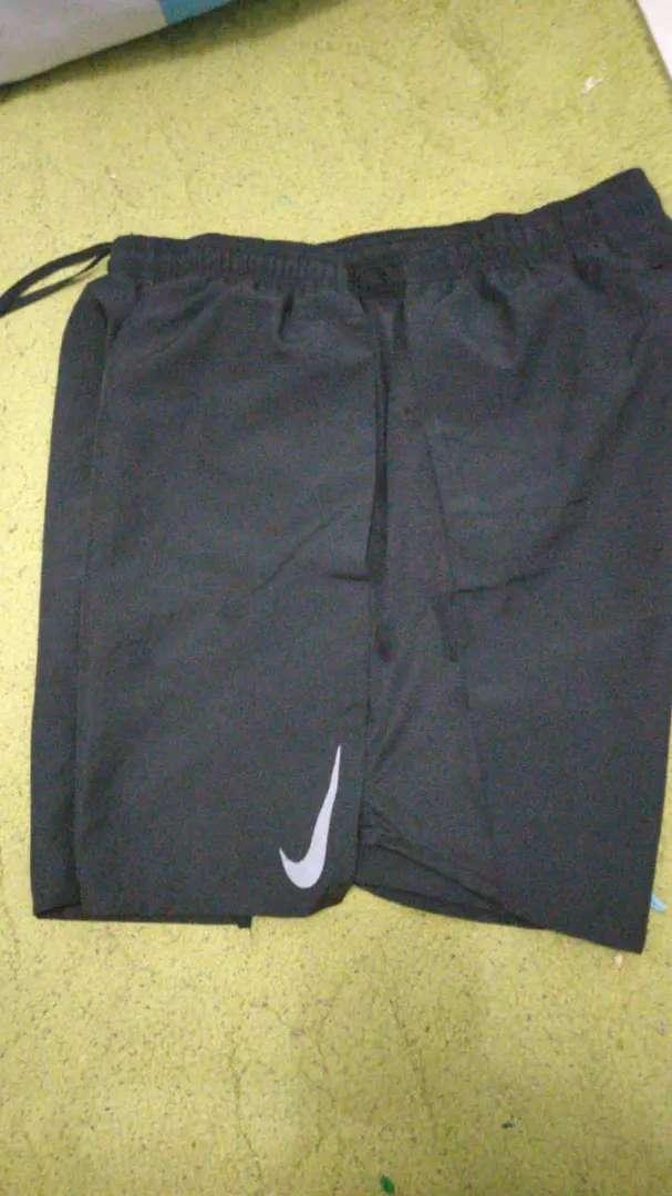 Jual celana lari NIKE ORIGINAL size L 0