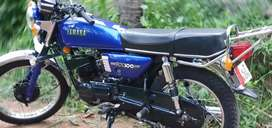 Yamaha rx100 neat condition with throttle