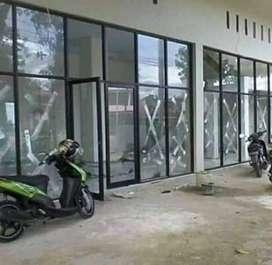 Pintu kaca dan sekat kaca alumunium dan tempered