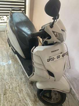 Honda activa 3g white price is slightly negotiable only