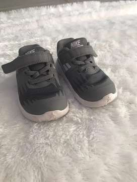 Sepatu anak cowok grey NIke