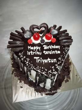 Kue ulang tahun love murmer